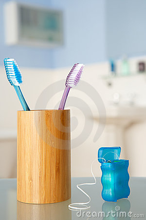 Free Toothbrushes And Dental Floss Royalty Free Stock Photos - 22001578