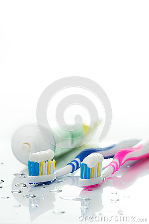 Free Toothbrushes And Toothpaste Stock Photo - 47381470