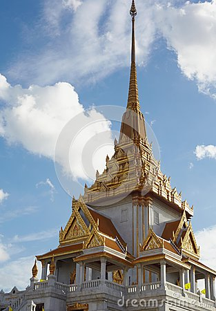 Top historical Wat Trimitr