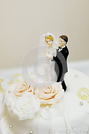Free Top Of Wedding Cake Stock Photo - 36917980