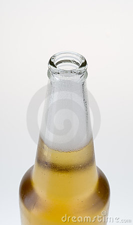 Free Top Part Of Beer Bottle With Froth Royalty Free Stock Photography - 5305257
