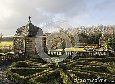 Topiary, Gazebo and Summerhouse