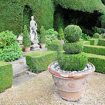 Free Topiary In A Formal Garden Stock Photo - 19640590