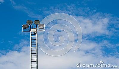 Toren van schijnwerper of vloedlicht