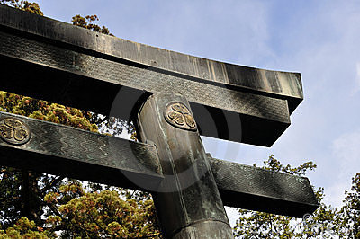 Torii with the Tokugawa crest