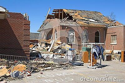 Tornado damage ky 1d