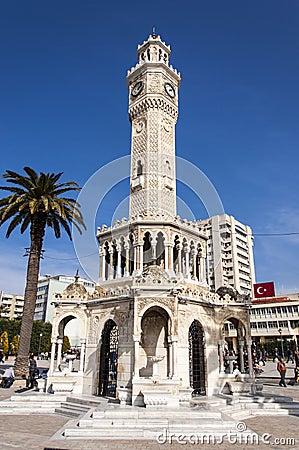 Torre de reloj antigua de Esmirna Foto de archivo editorial