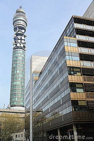 Torre do BT (torre da estação de correios do aka, torre das telecomunicações)