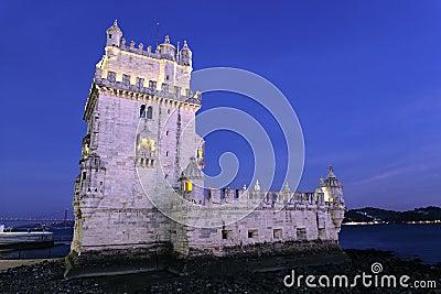 Torre famosa de Belém em a noite