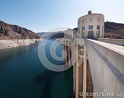 Torretas de la presa de Hoover