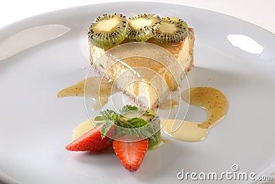 Torta de ricota com calda de Kiwi