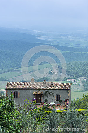 Toscana House Style On Meadow In Tuscany Stock Photos