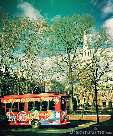 Tour bus in front of Christ Church in Philadelphia Editorial Stock Image
