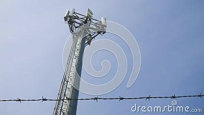 Tour de communications de mât de téléphone portable, R-U banque de vidéos