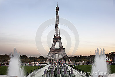 Tour eiffel at the evening - Paris