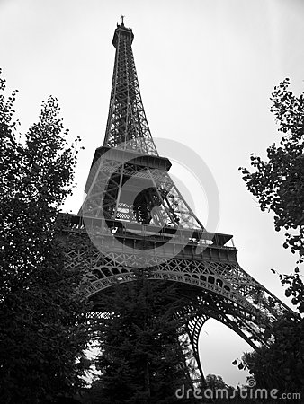 tour eiffel noir et blanc dans la ville des frances de paris photographie stock image 35706172. Black Bedroom Furniture Sets. Home Design Ideas