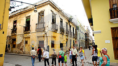 Tour group in the center of Havana. Editorial Stock Image