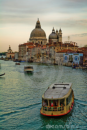 Tourist boats on Grand Canal
