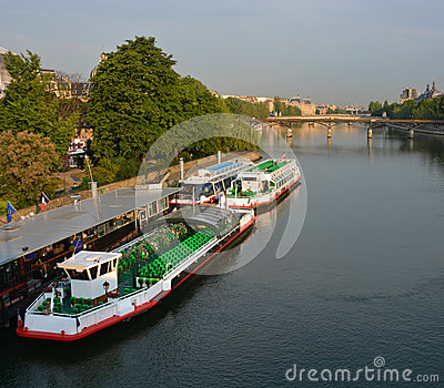 Tourist Boats waiting for Sightseeing Passengers on the Seine Ri