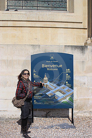 A tourist pointing to the map of Army Museum