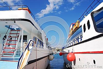 Tourist Yachts