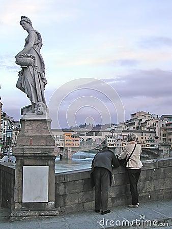 Touristes prenant des photos