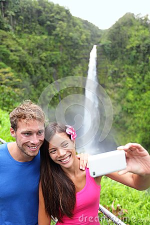 Free Tourists Couple Taking Photo On Hawaii Stock Photo - 28506380