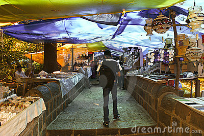 Tourists flock the markets at Elephanta Caves Editorial Image