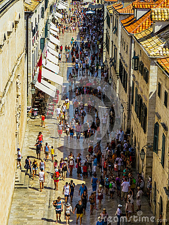 Free Tourists In Dubrovnik, Croatia Stock Photography - 85194732