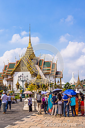 Free Tourists In The Area Of The Grand Palace Royalty Free Stock Image - 46542916