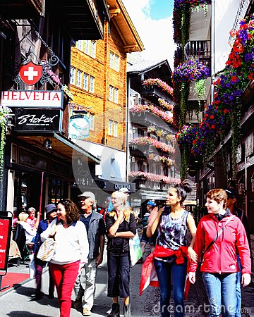 Free Tourists In The Street In Zermatt, Switzerland Stock Photos - 110307453