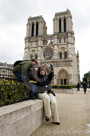 Free Tourists Near Notre Dame De Paris Stock Photos - 5232953
