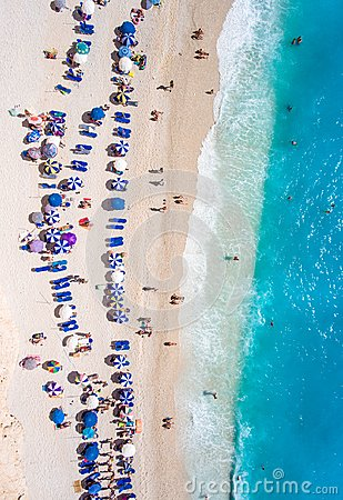 Free Tourists Relaxing On The Egremni Beach In Lefkada Swimming And P Stock Photo - 103174670