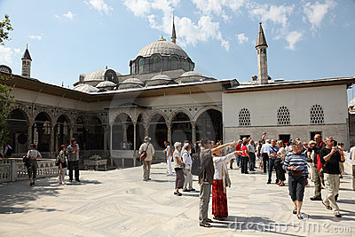 Tourists in Topkapi Palace, Istanbul Editorial Photography