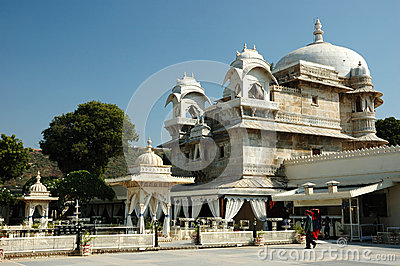 Tourists visiting beautiful palace at Jag Mandir island on Pichola lake in Udaipur city Editorial Image