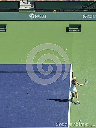 Maria Sharapova serves at Indian Wells 2013 Editorial Stock Image