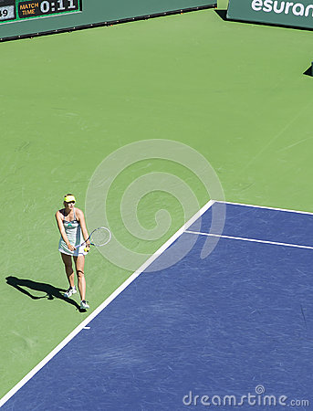 Maria Sharapova Serves at Indian Wells 2013 Editorial Stock Photo