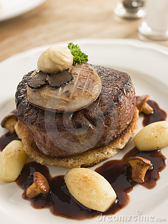 Free Tournedos Rossini With Cocotte Potatoes Stock Images - 5624954