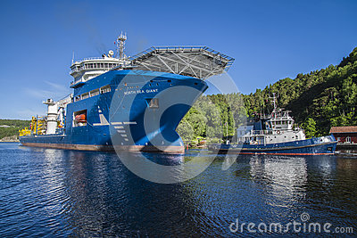 The towage of mv north sea giant has started Editorial Stock Image