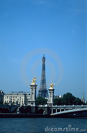 Tower and Seine