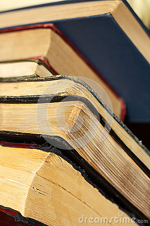 Free Towering Collection Of Vintage Hardcover Books Stock Photos - 35160913
