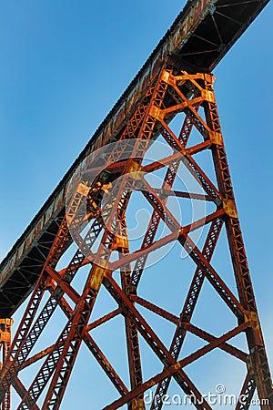 Free Towering Trestle Royalty Free Stock Photos - 37953788