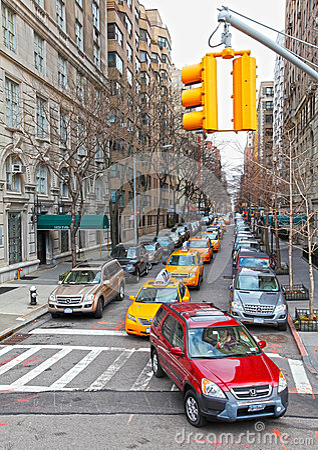 Tráfico ocupado en Manhattan Imagen editorial
