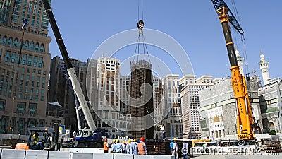 Trabajadores que construyeron la Gran Mezquita para expandir el área de los adoradores metrajes