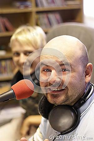 Trabajo de la estación de radiodifusión