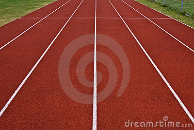 Track straight wide