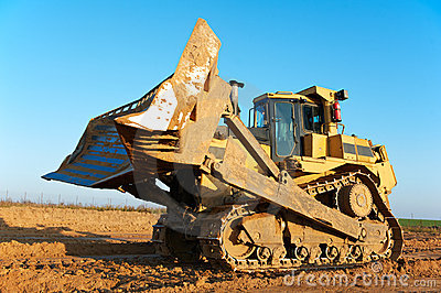 Track-type bulldozer loader