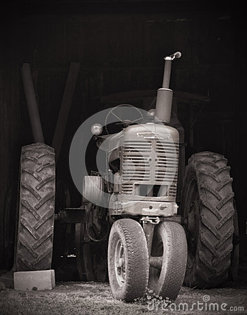 Free Tractor In A Barn Royalty Free Stock Image - 57644726