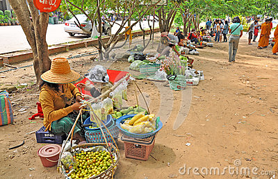 Trading in Thai - Laos border Editorial Image