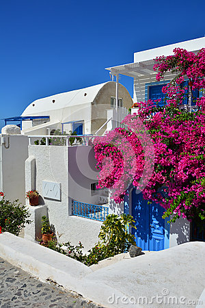 The traditional architecture of Santorini, Oia